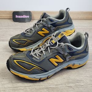 NEW BALANCE 621 Athletic All-Terrain Shoes Size 10
